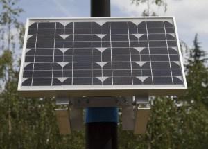 Panneau solaire pour débitmètre canal