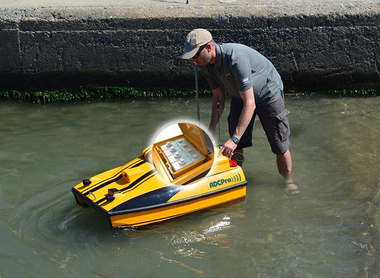 Drone pour prélèvements et analyse d'eau
